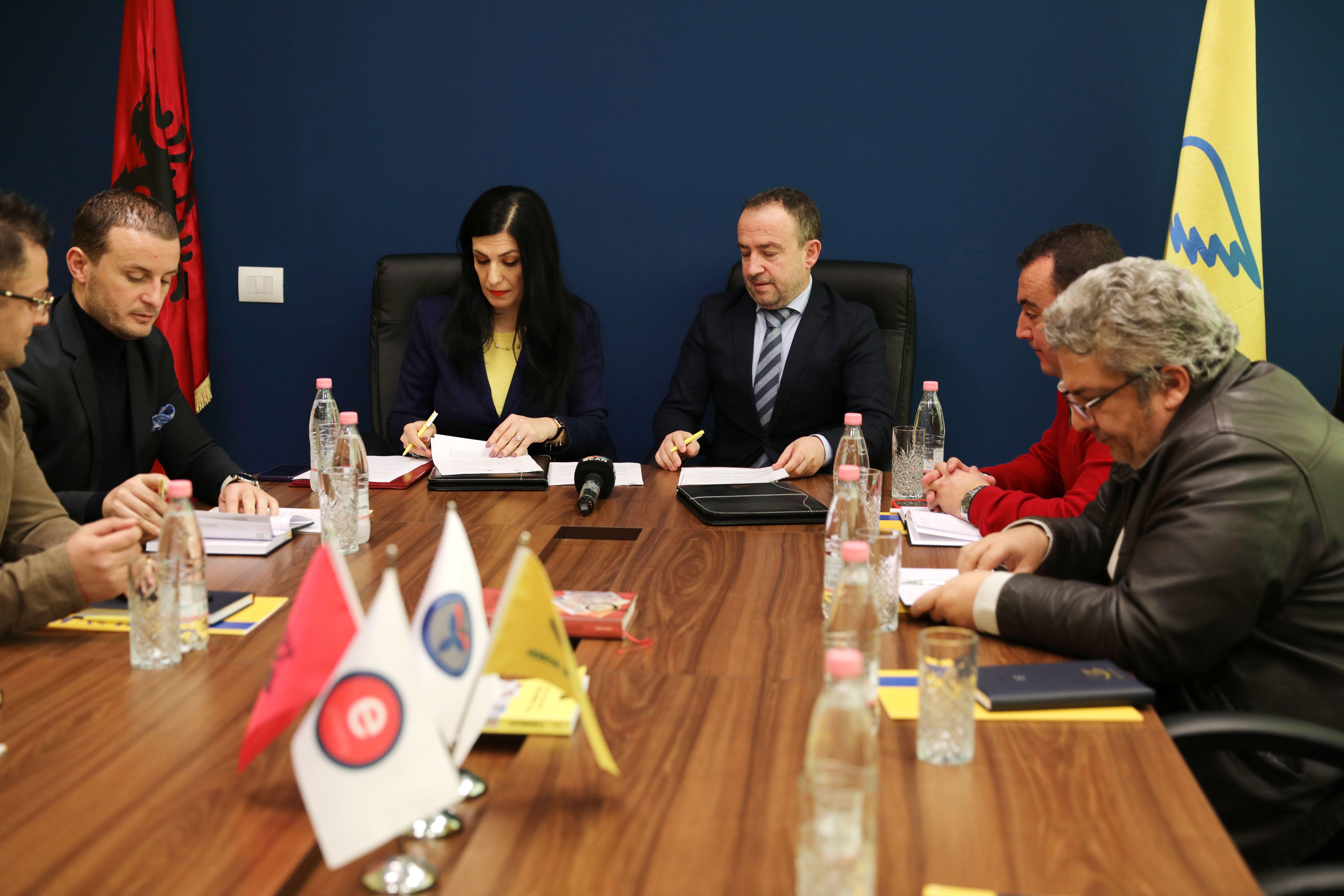 Marrëveshje bashkëpunimi mes AKSHI-t dhe Postës Shqiptare