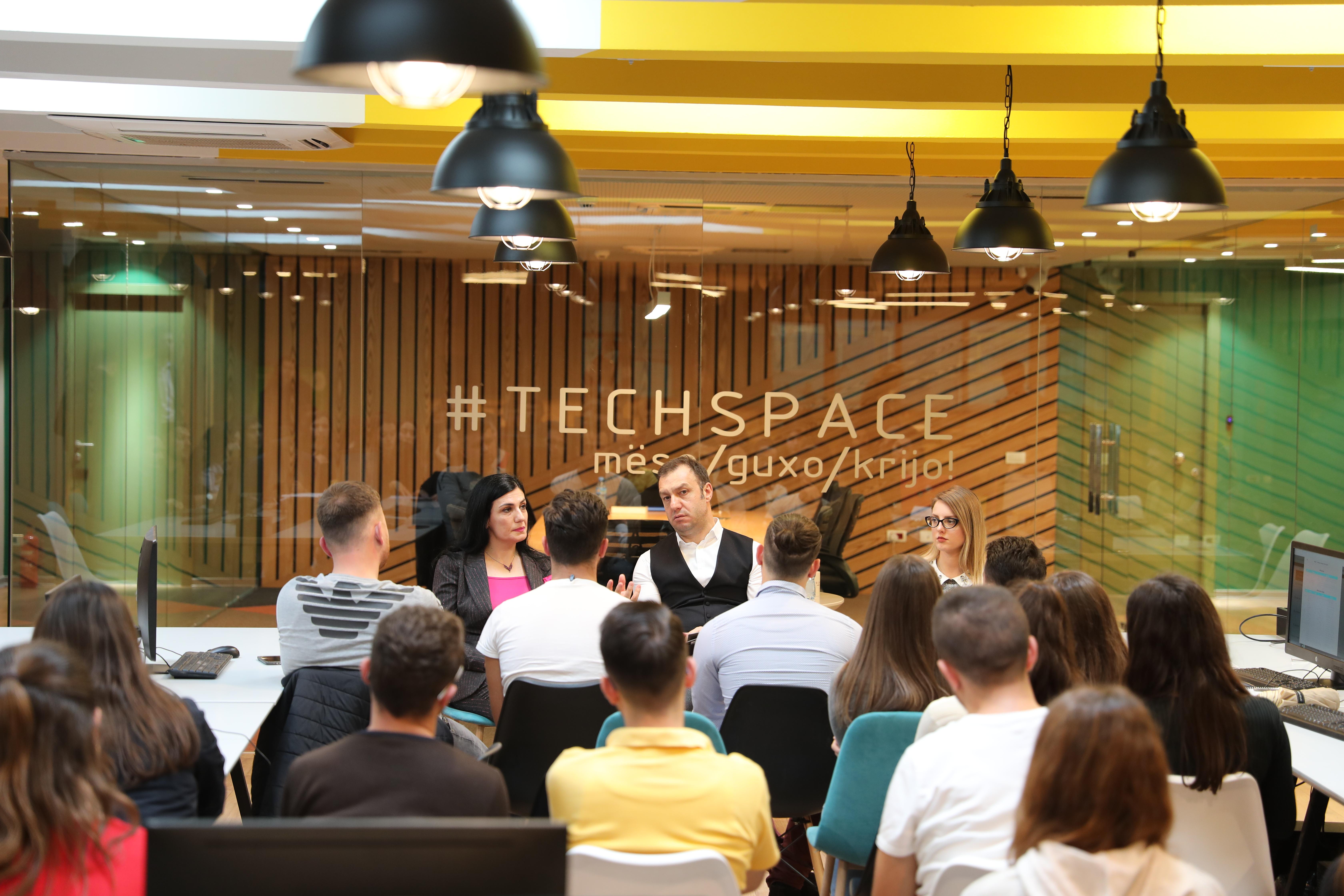 Karçanaj: Së shpejti trajnime profesionale në 'TechSpace'
