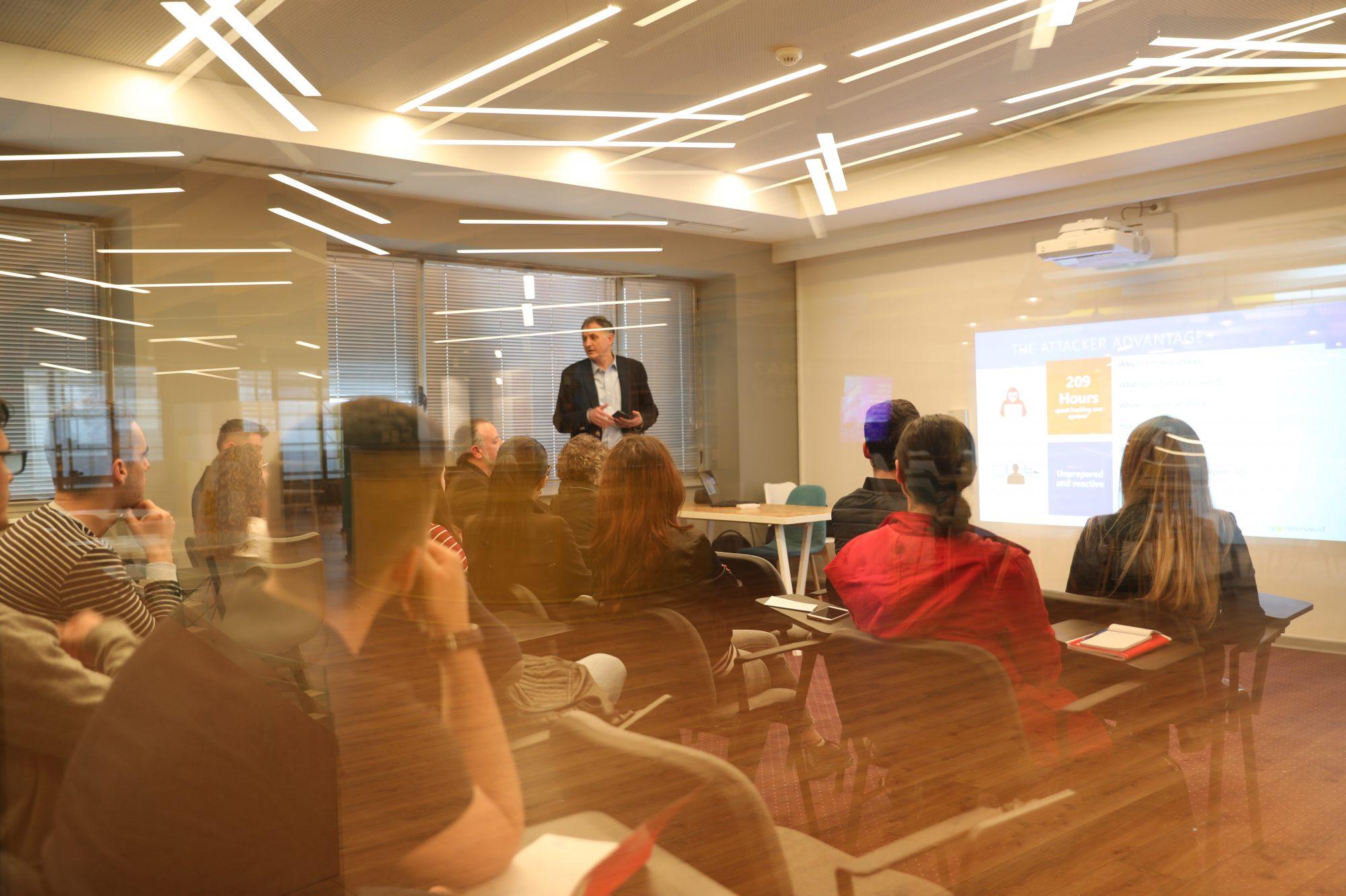 Ekspertët e Microsoft në TechSpace, takime informuese me të rinj të fushës TIK