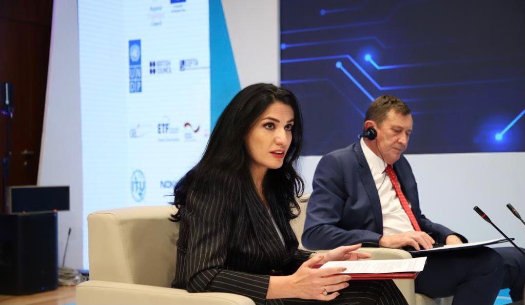 Shqipëria në Samitin Digjital të Ballkanit, shkolla kodimi për të rinjtë